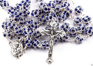 Colgante de rosario con abalorios azules de cristal de zircon de la Tierra Santa