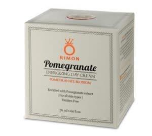 Crema hidratante anti-envejecimiento para el día enriquecida con granadas, con la fragancia de la flor de granada.