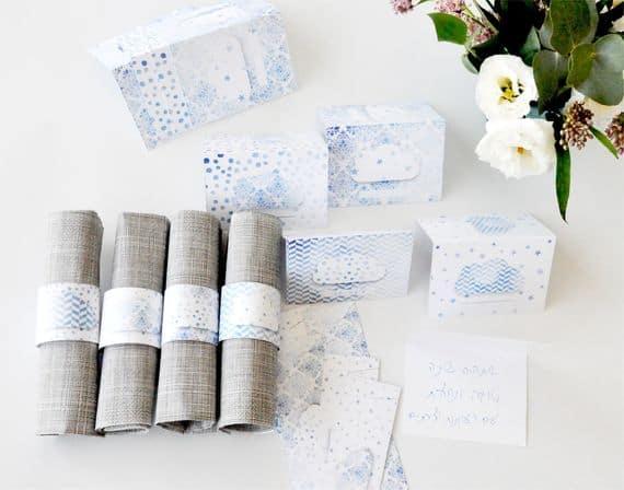 Ataduras de servilletas y tarjetas de felicitación