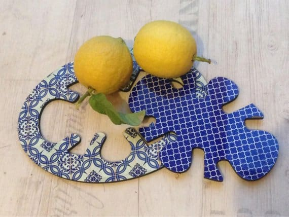 2 in 1 Trivet | hot pad splits to 2 | ananas decorative surface