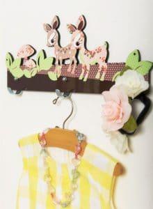 Colgador de pared Bambi rosado, marrón y Beige
