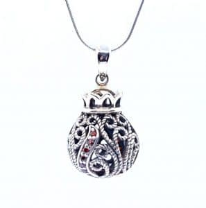 925 silver Filigree Pomegranate Judaica Pendant Necklace set with Red Garnets Stones
