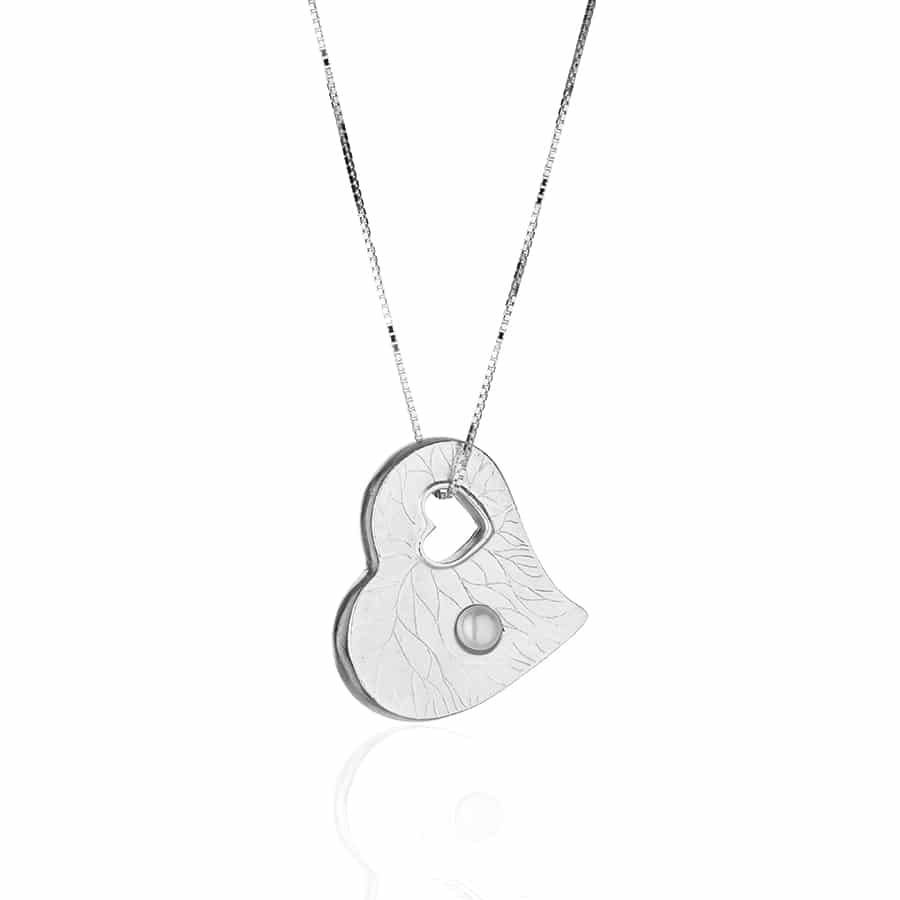 Heart shaped silver Necklace with a natural white pearl