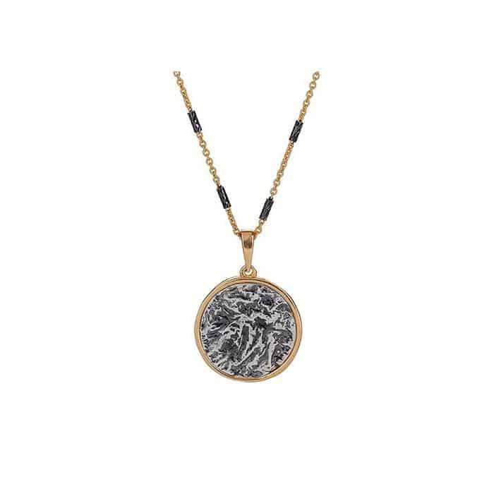 Collar Redondo con Monedas Antiguas