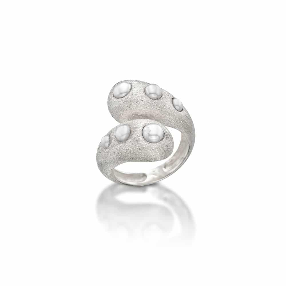 Sterling Silver Ring with natural pearls