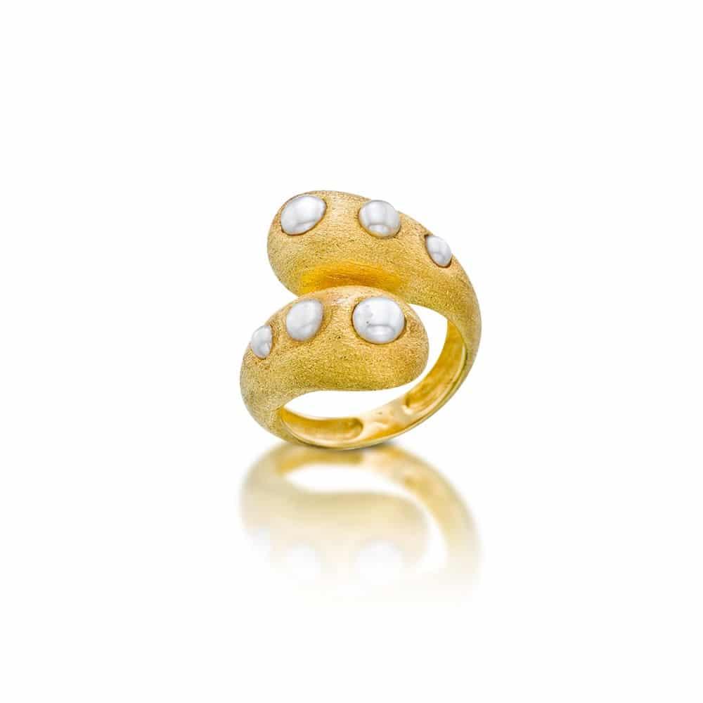 Anillo Chapado en Oro Esterlina con Perlas Naturales