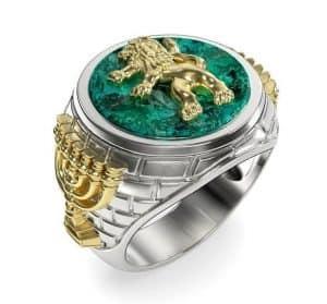 Eilat Stone 14K Gold Menorah Lion of Judah Men's Ring, Gold Lion Ring, Black Onyx Ring, Menorah Ring, Jewish Ring